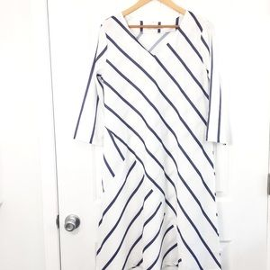 Miss Look V Neck Midi Dress Size 2X